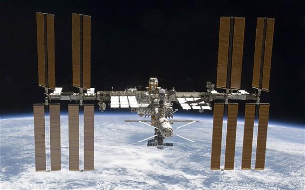 Russos chegam à Estação Espacial em apenas quatro horas