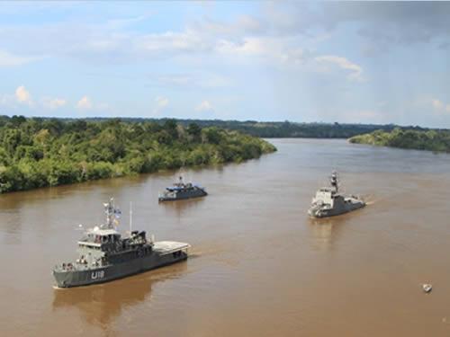 Marinha do Brasil realiza operação conjunta com a Marinha Peruana