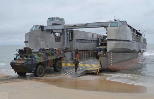 Embarcações rápidas de desembarque anfíbio aceitas para o serviço ativo