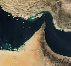 Irã armazena milhões de barris de petróleo em navios no mar