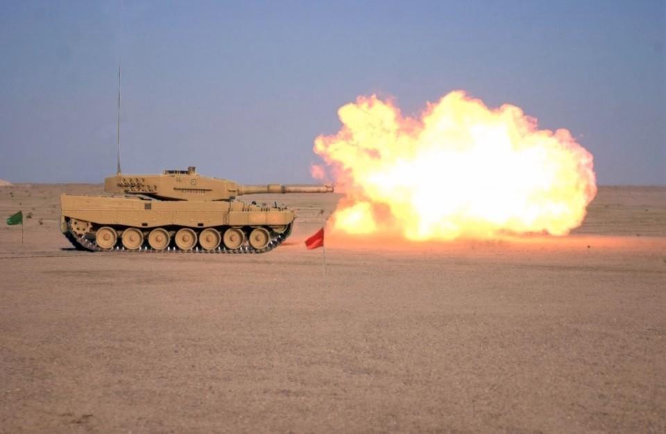 Leopard-2A4