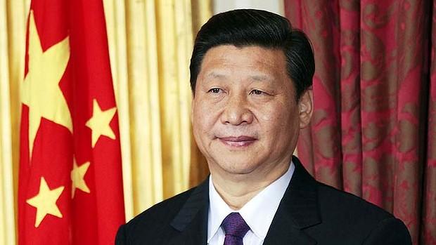 VATICANO-CINA_-_Xi_Jinping_with_flag