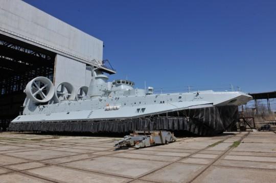 Hovercraft  Zubr Para a Marinha do exército da lbertação popular da China