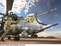 AH-2 Sabre da Força Aérea Brasileira (FAB)  intercepta avião de pequeno porte