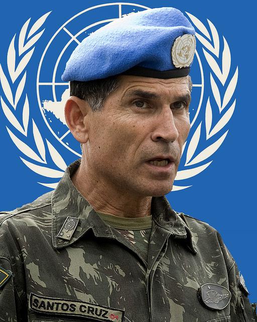Descrédito da ONU e violência rebelde aguardam general brasileiro no Congo
