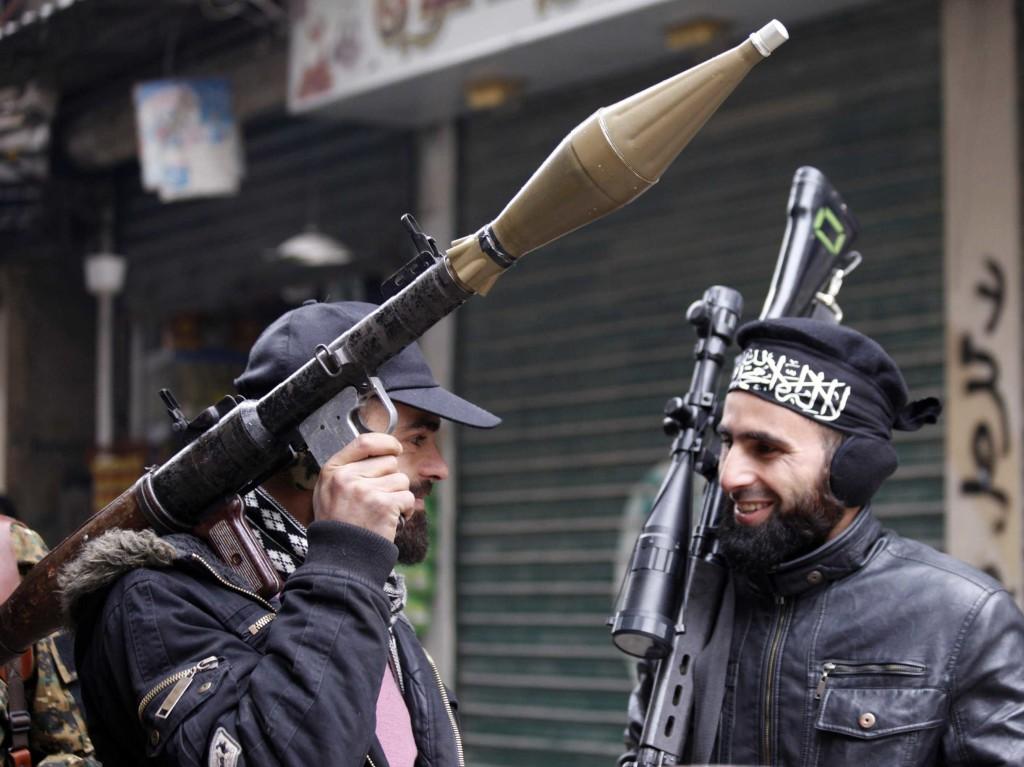 Síria usa aumento de extremismo entre rebeldes para tentar atrair apoio dos EUA