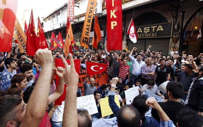 Turquia diz que forças sírias estão por trás de ataques que mataram mais de 40