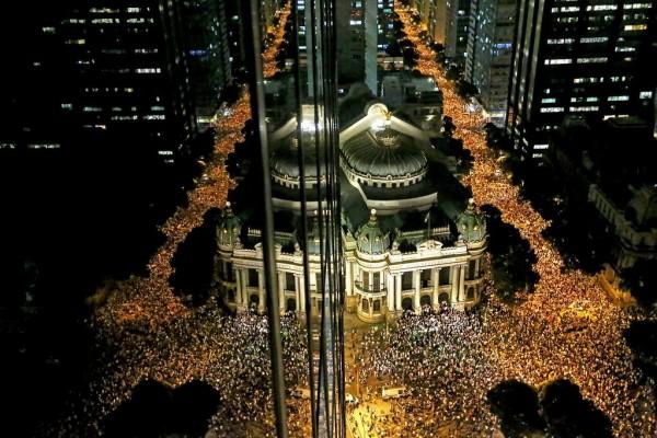 Organização de protestos pode indicar 'novidade' política no Brasil