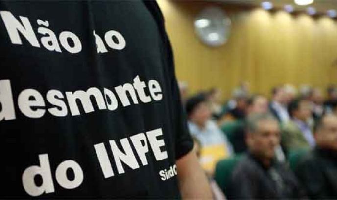 INPE no fundo do poço