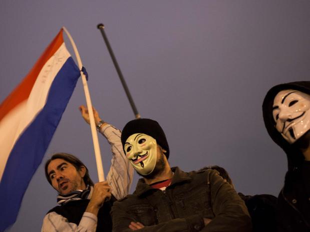 'Paraguai despertou' — Inspirados no Brasil, 3 mil marcham em Assunção