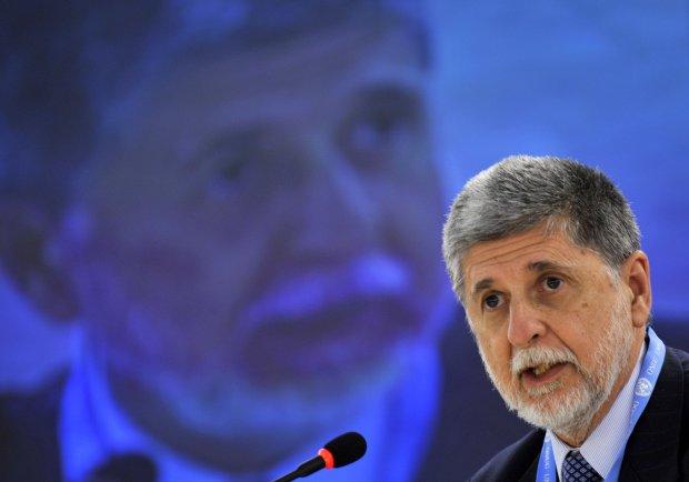 País precisa investir em defesa cibernética, alerta ministro da Defesa Celso Amorim