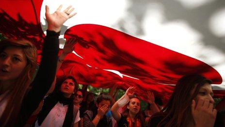 Ativistas na Turquia entregam lista de exigências para governo