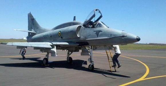 AF-1 N-1011 é o protótipo para o programa de modernização dos A-4 da MB