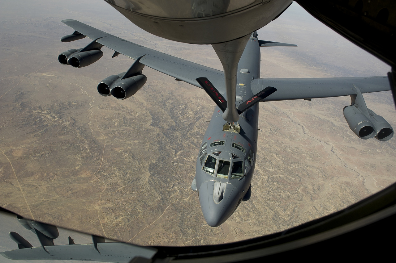 Utah Air National Guard refueling B-52 Stratofortress, 2nd Bomb Wing, Barksdale AFB, LA