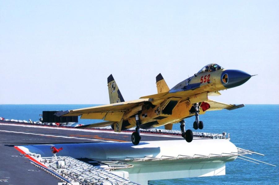 O caça SAC J-15  será a base para o desenvolviemnto da doutrina aeronaval chinesa baseada em grubos de ataque captaneados por porta aviões. No futuro próximo estes caças operarão em conjunto com os modernos caças 5ªG que estão em desenvolvimento