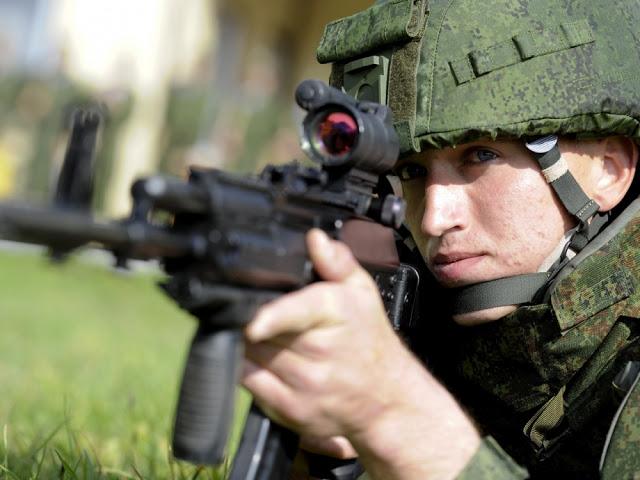 Novos equipamentos dos combatentes do exército russo serão expostos em feira