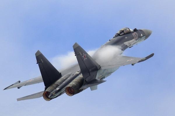 China poderá adquirir uma centena de caças Sukhoi, Su-35