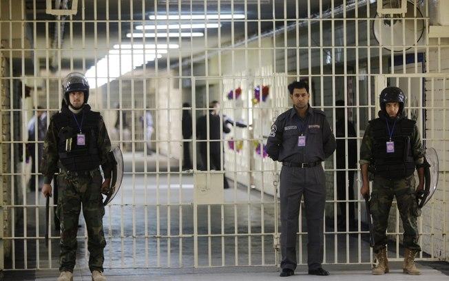 Al-Qaeda no Iraque reivindica responsabilidade por ataques a prisões