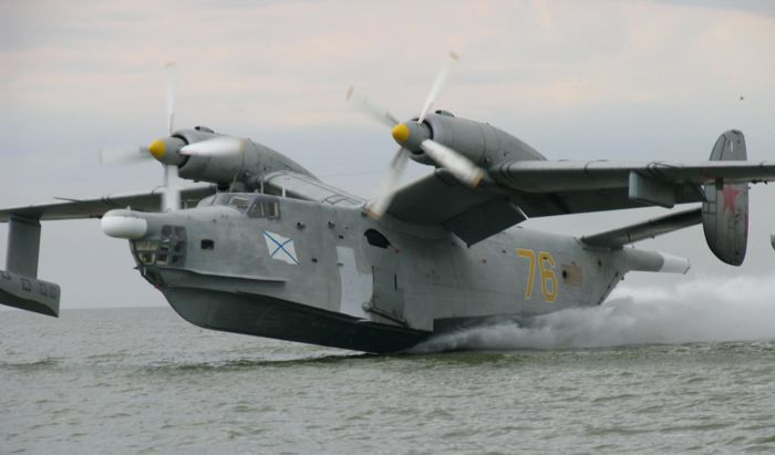 A obsoleta frota de hidroaviões Be-12 necessita urgentemente ser substituida por uma capaz de realizar efetivamente as missões de busca e salvamento, bem como anti-submarino e guerra de  superfície