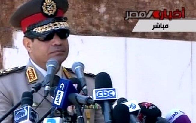 Chefe do Exército do Egito convoca protestos contra 'violência' e 'terrorismo'