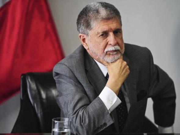BRASIL PEDE DISCUSSÃO SOBRE MALVINAS EM FÓRUM DE DEFESA