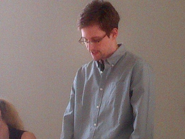 """Plano """"B"""" para Snowden"""
