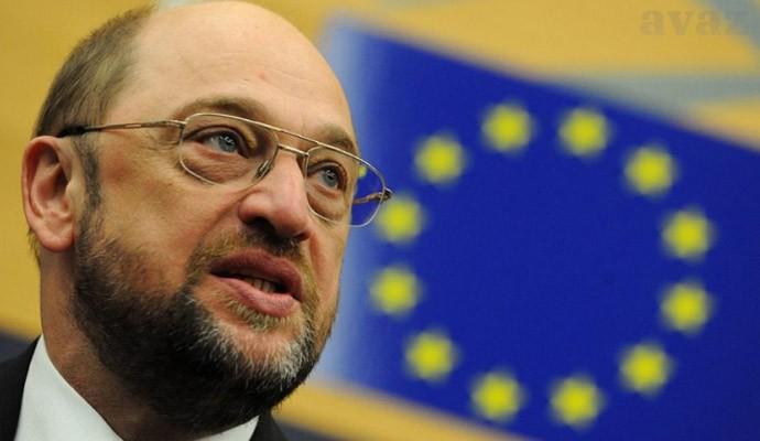 """Parlamento europeu critica métodos """"autoritários"""" dos EUA"""