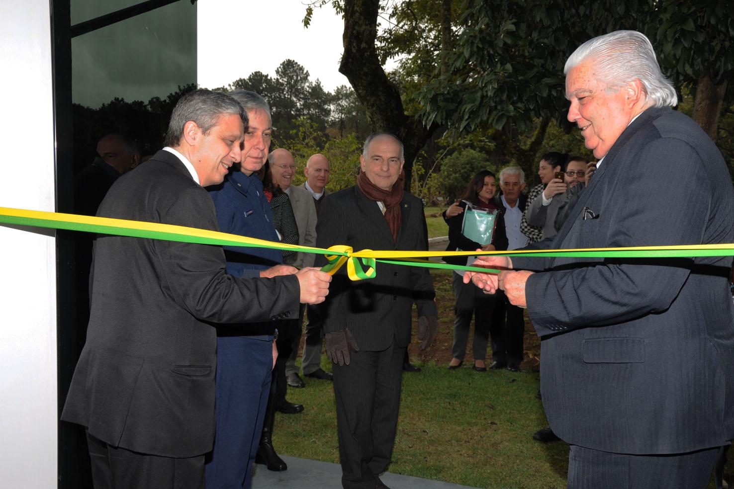TECNOLOGIA – FAB e INPE inauguram laboratório de sistemas inerciais