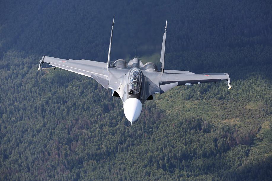 Vídeo – Caça Sukhoi Su-30 SM