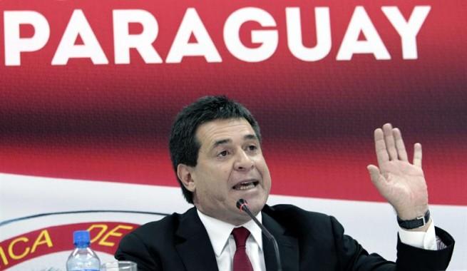 Paraguai empossa novo presidente e deixa em aberto volta ao Mercosul