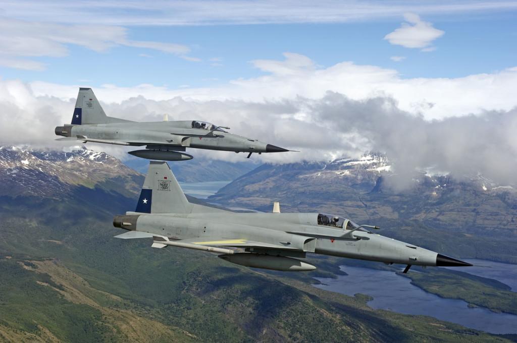 Força Aérea Uruguaia (FAU) – Interesse nos caças F-5E Tiger III do Chile