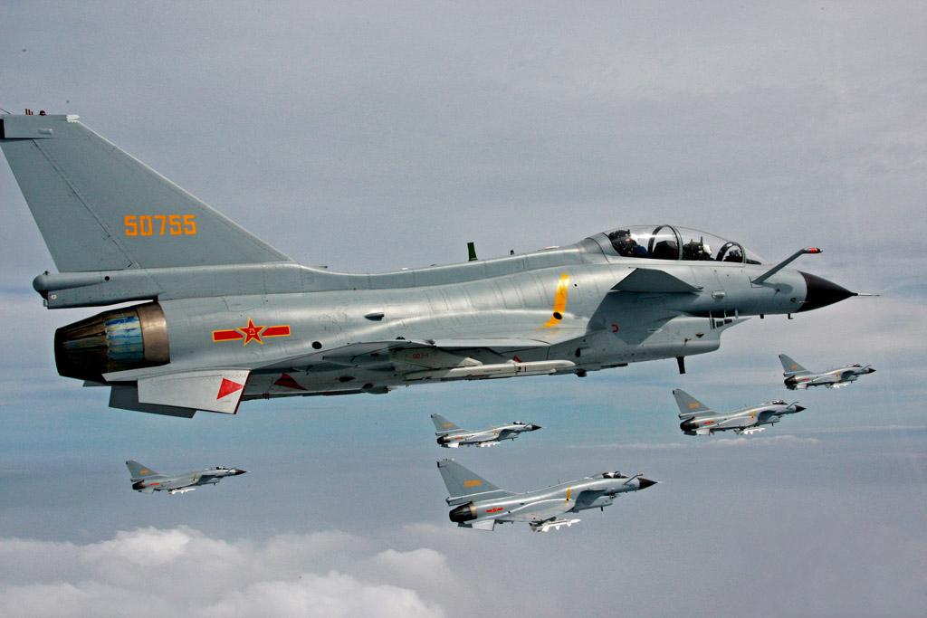 Chengdu Aircraft Industry Group vai produzir 1.200 caças J-10 para a Força Aérea do PLA