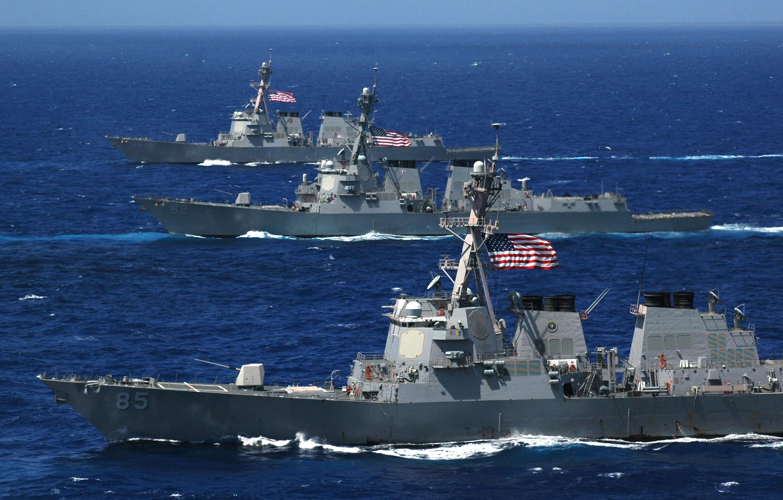 USN: Homenagens Póstumas!  Três contratorpedeiros da classe Arleigh-Burke recebem nomes de heróis de guerra dos EUA