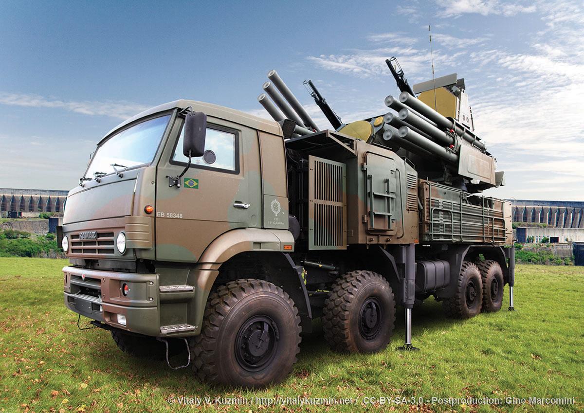 Brasil e Rússia estreitam cooperação na área de defesa