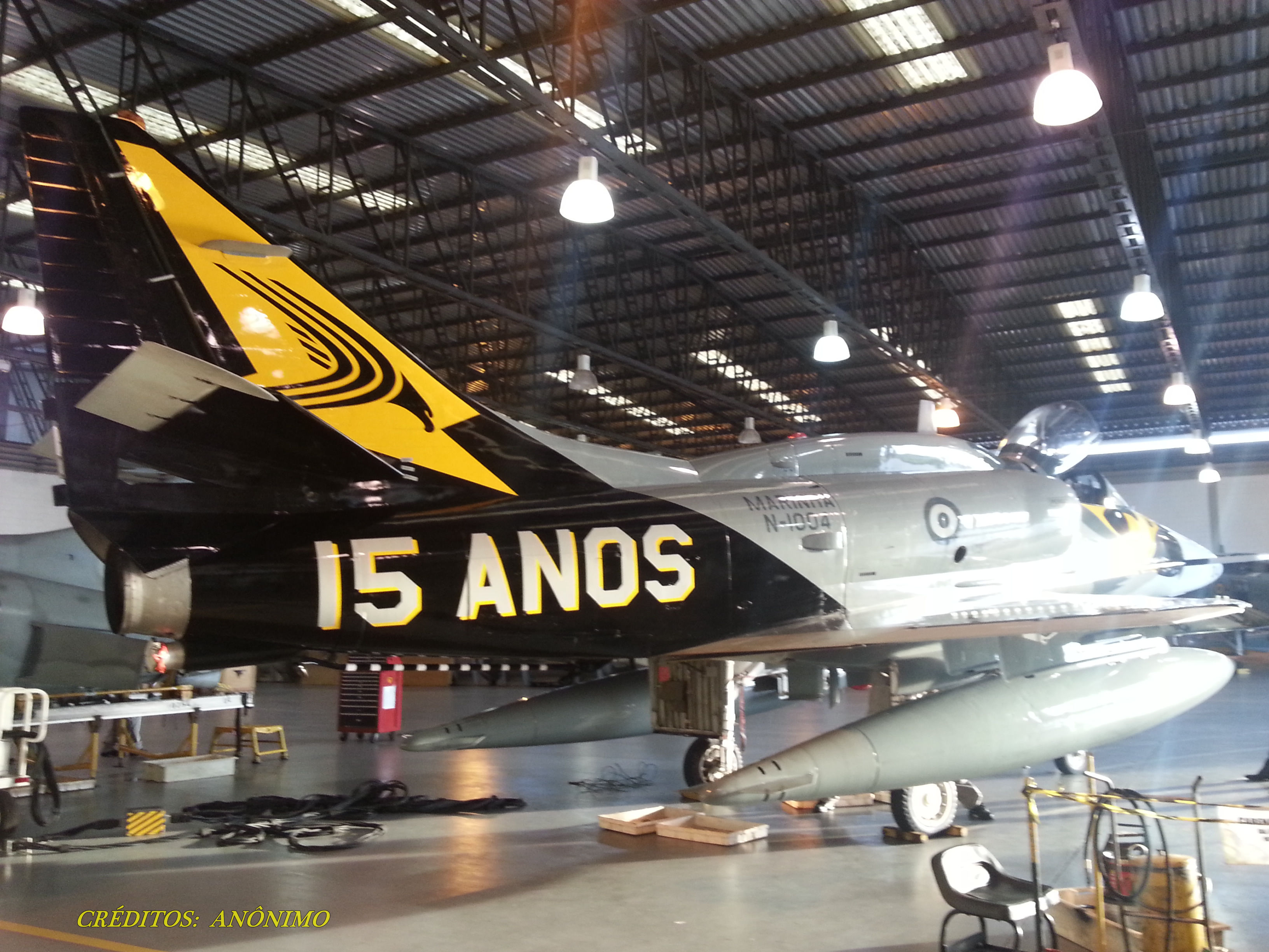 ATUALIZADO: Olhando de perto a pintura comemorativa do VF-1 (Vídeo)