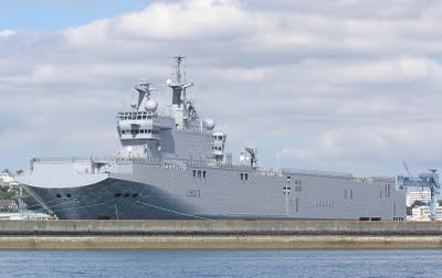 Primeiro navio russo Mistral será lançado à água em 15 de outubro