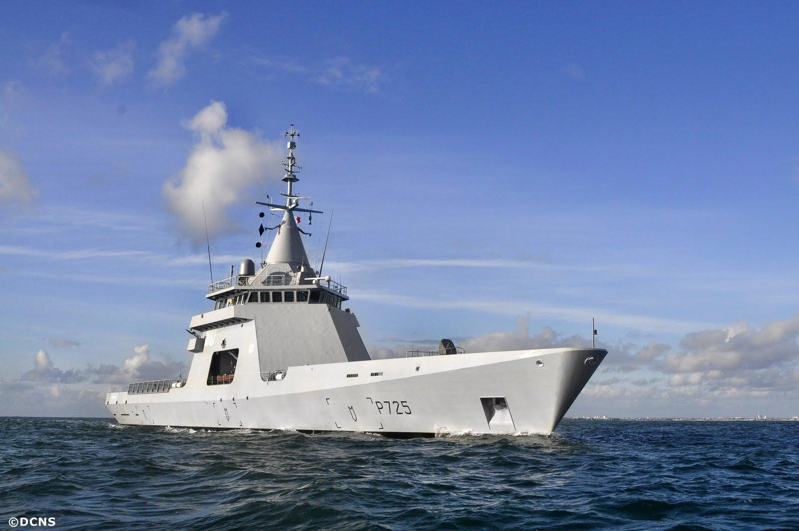 DCNS e DGA validam integração de VANT com sistema de combate embarcado