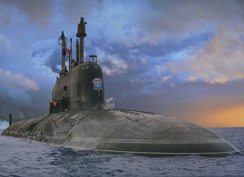 Britânicos e americanos se rendem a imponência do novo submarino nuclear de ataque russo