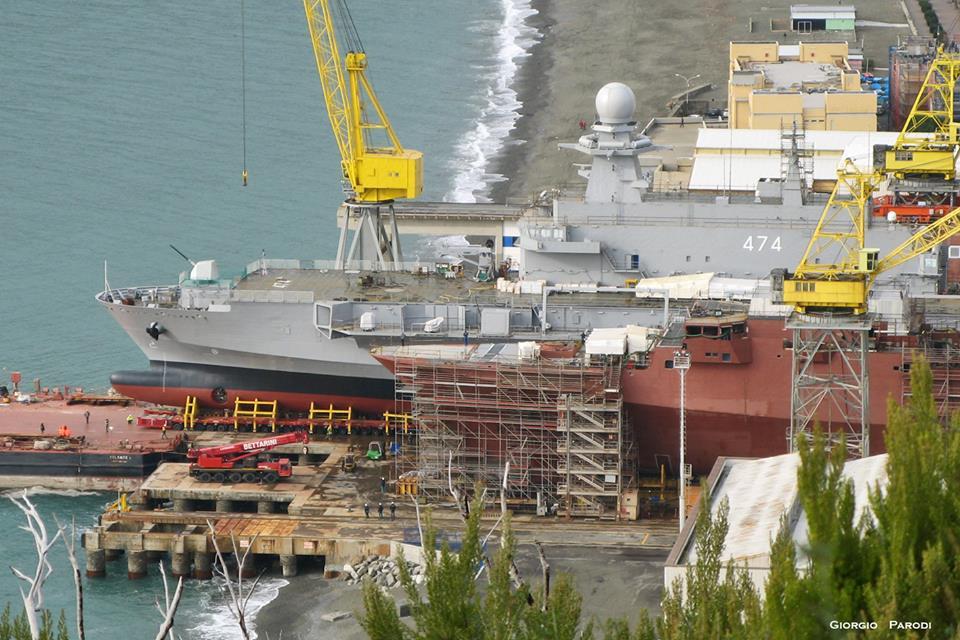 navio de desembarque doca Kalaat Beni- Abbes (3)