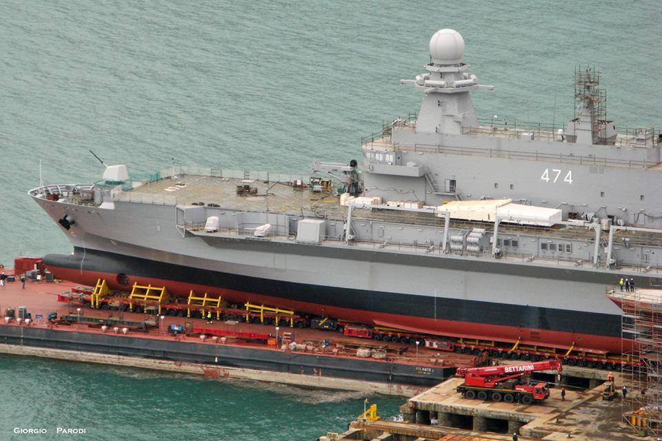 navio de desembarque doca Kalaat Beni- Abbes (6)