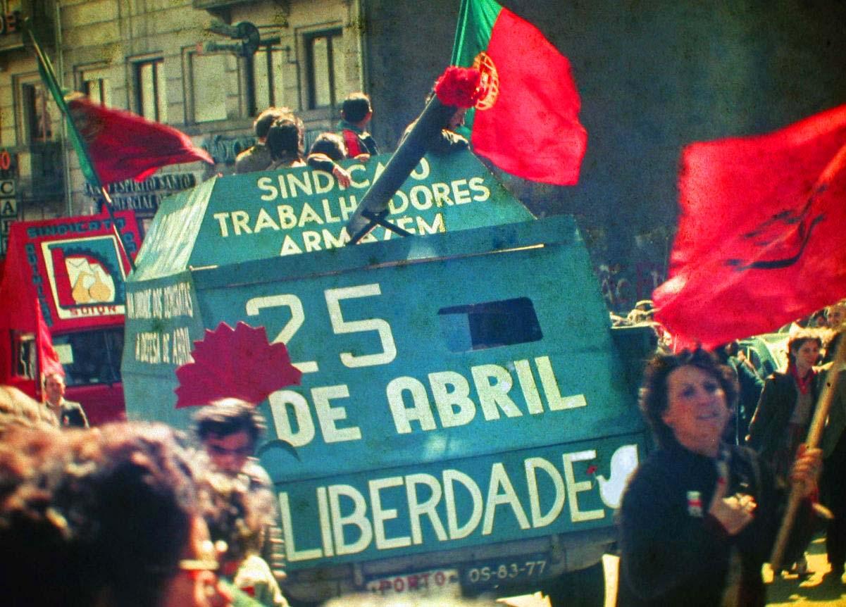 25 de abril de 1974: Revolução dos Cravos em Portugal