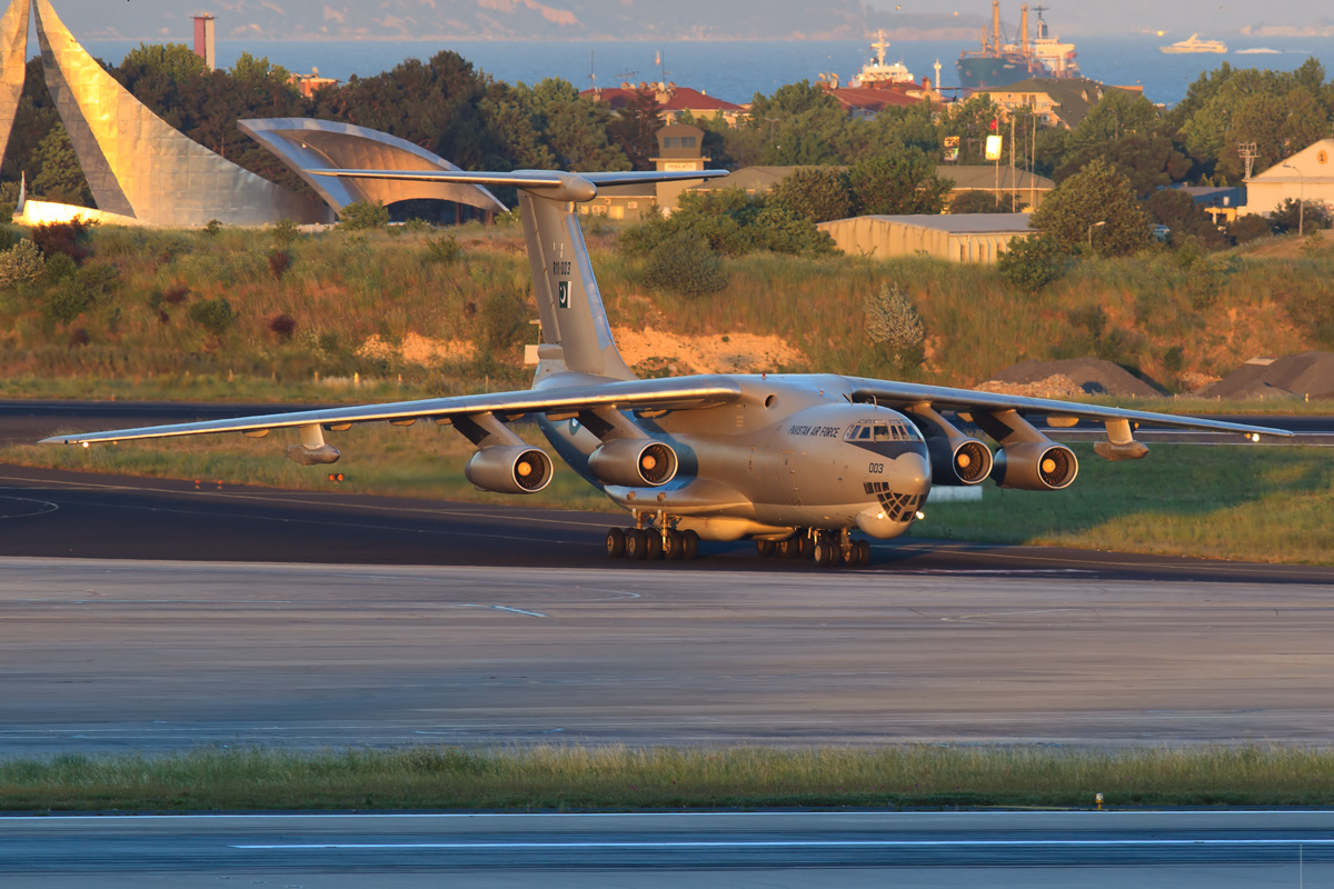 Pakistan_Air_Force_Il-78MP
