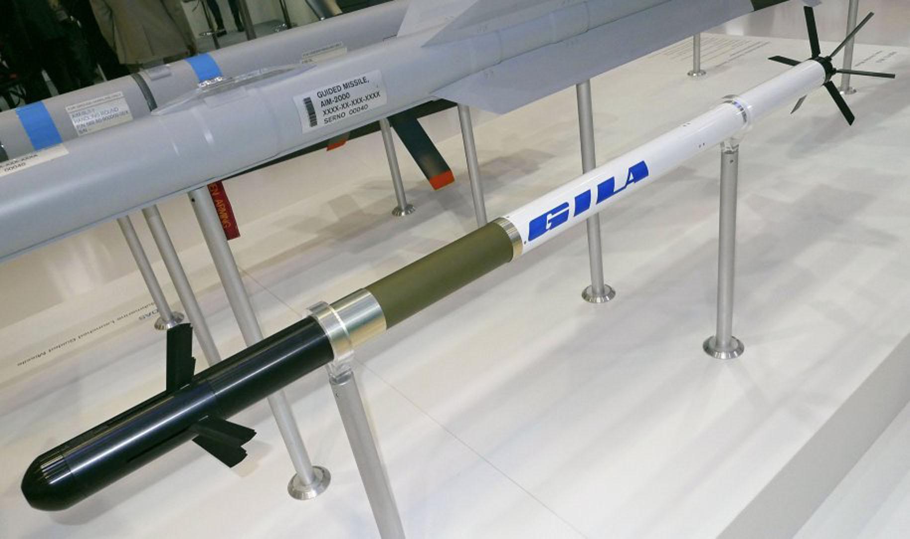 Diehl Defence apresenta foguete guiado