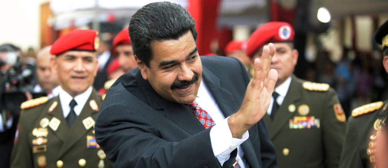 Ex-militares ligados a Chávez pedem a renúncia de Maduro