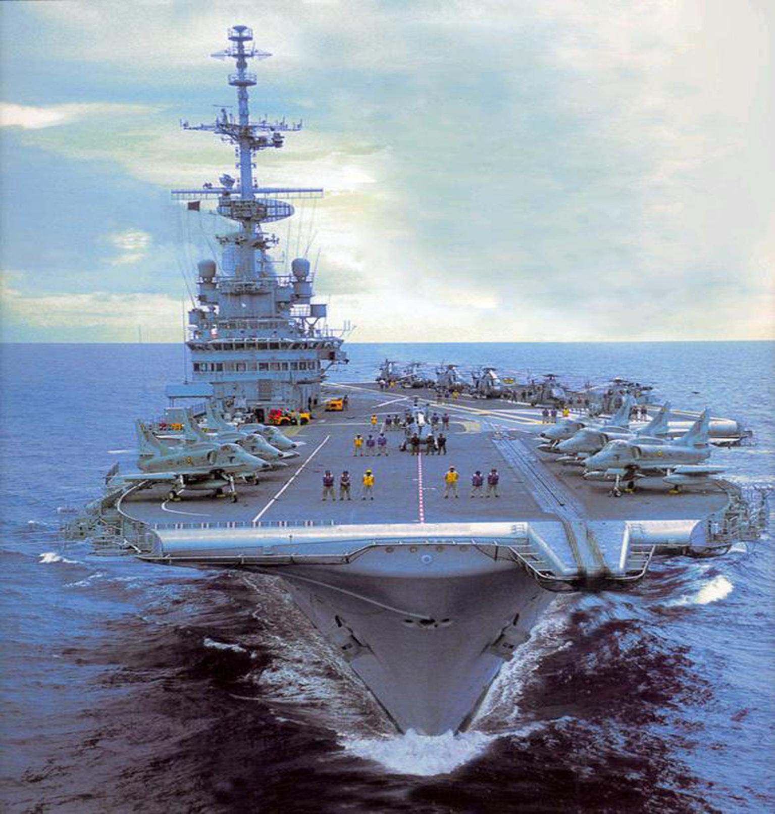 Marinha do Brasil (MB) abre edital no âmbito do Empreendimento Modular do Período de Modernização do NAe 'São Paulo' A 12