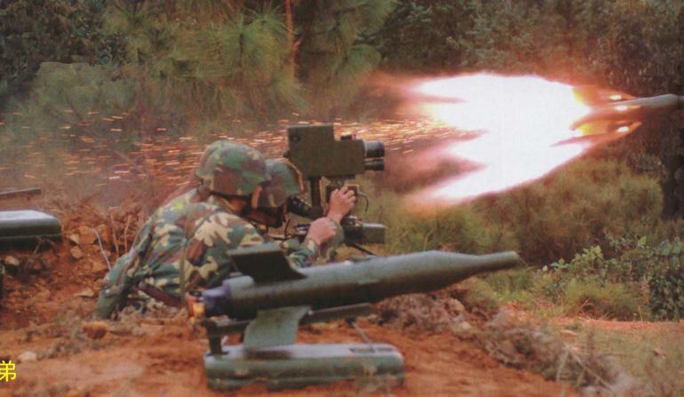 Sudão do Sul  adquire mísseis chineses HJ-73D, lança-granadas e armas