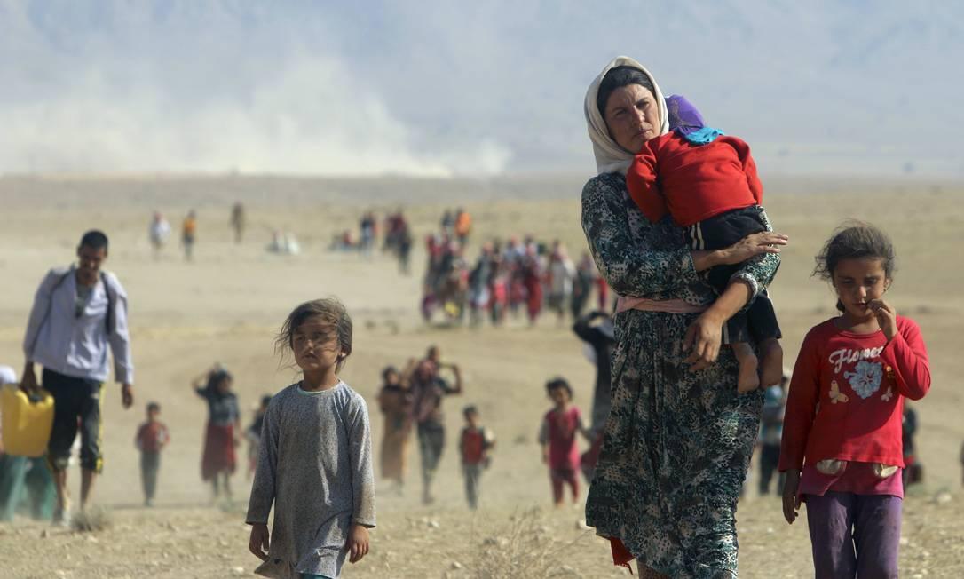 EUA e tropas curdas rompem cerco e facilitam saída de minoria no Iraque