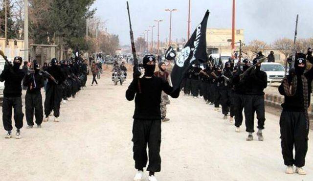 Estado Islâmico executa 700 membros de tribo Síria, maioria civis, de acordo com reporte