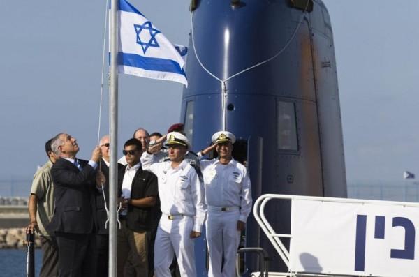 Netanyahu-welcomes-Israels-newest-submarine-the-INS-Tanin-600x397