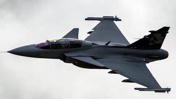 Tchecos, Eslovacos e Suecos assinam acordo de intenções que abre caminhos para o Gripen na Força Aérea Eslovaca